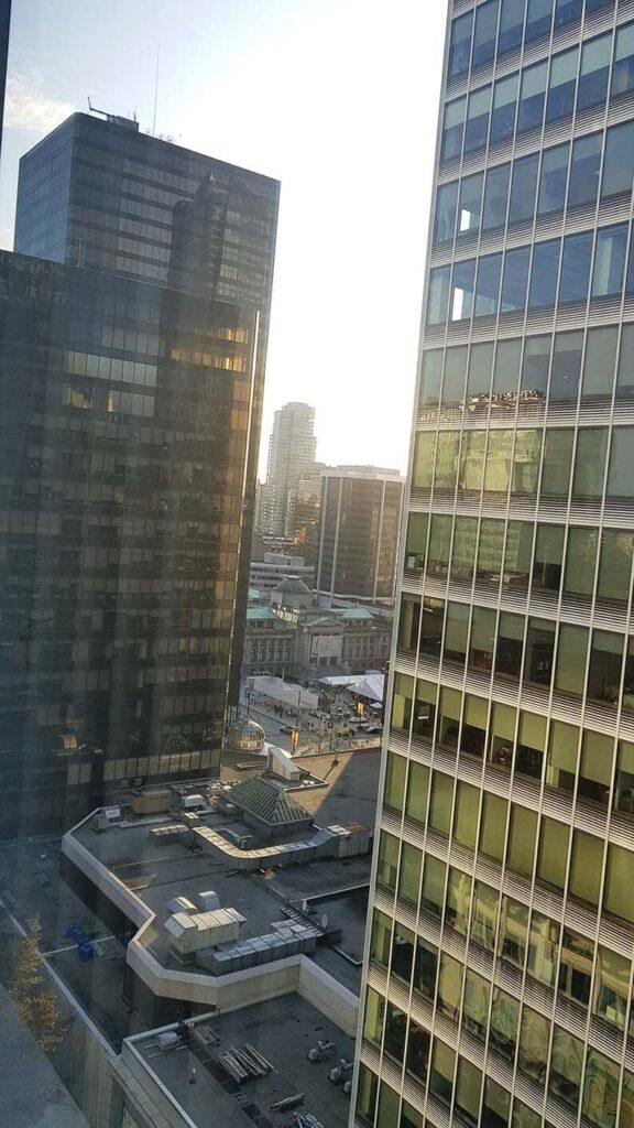溫哥華住宿downtown窗景